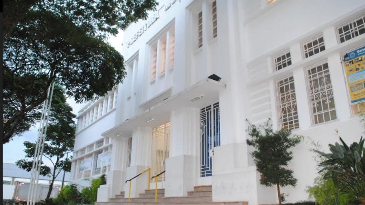Confira o expediente das repartições públicas de Botucatu no feriado de 09 de julho