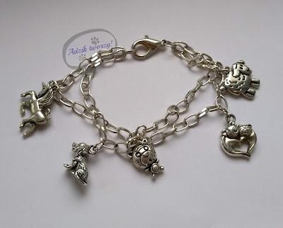 Łańcuszkowa bransoletka z zawieszkami-zwierzętami