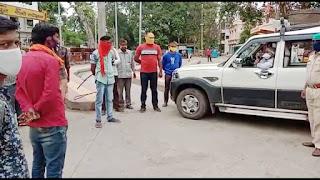 ऑटो-रिक्शा संचालकों को परिवहन अधिकारी ने नियमों के पालन करने दी समझाईश