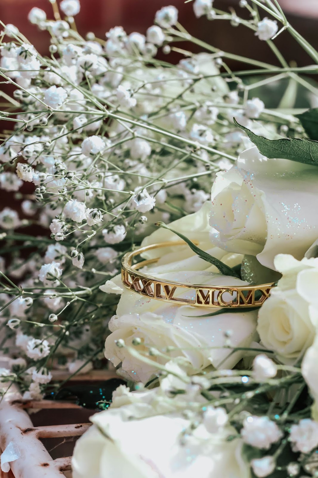 oNecklace Gold Roman Numeral Bangle Blog Review