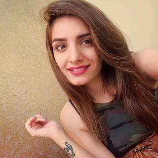 Prakriti Kakar Selfie