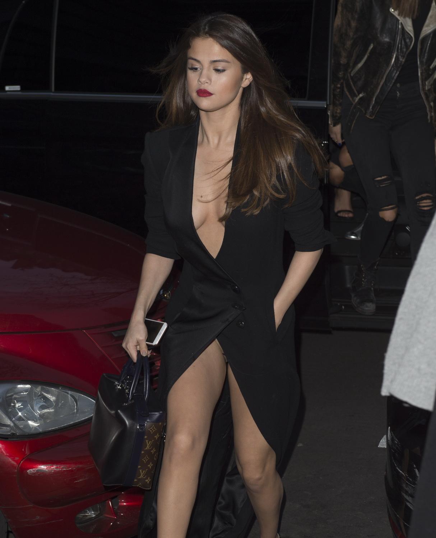 Selena Gomez is a Bad Liar