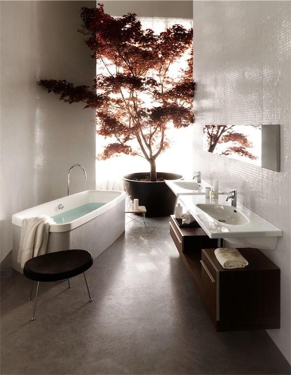 gran maceta con arbol en el baño chicanddeco