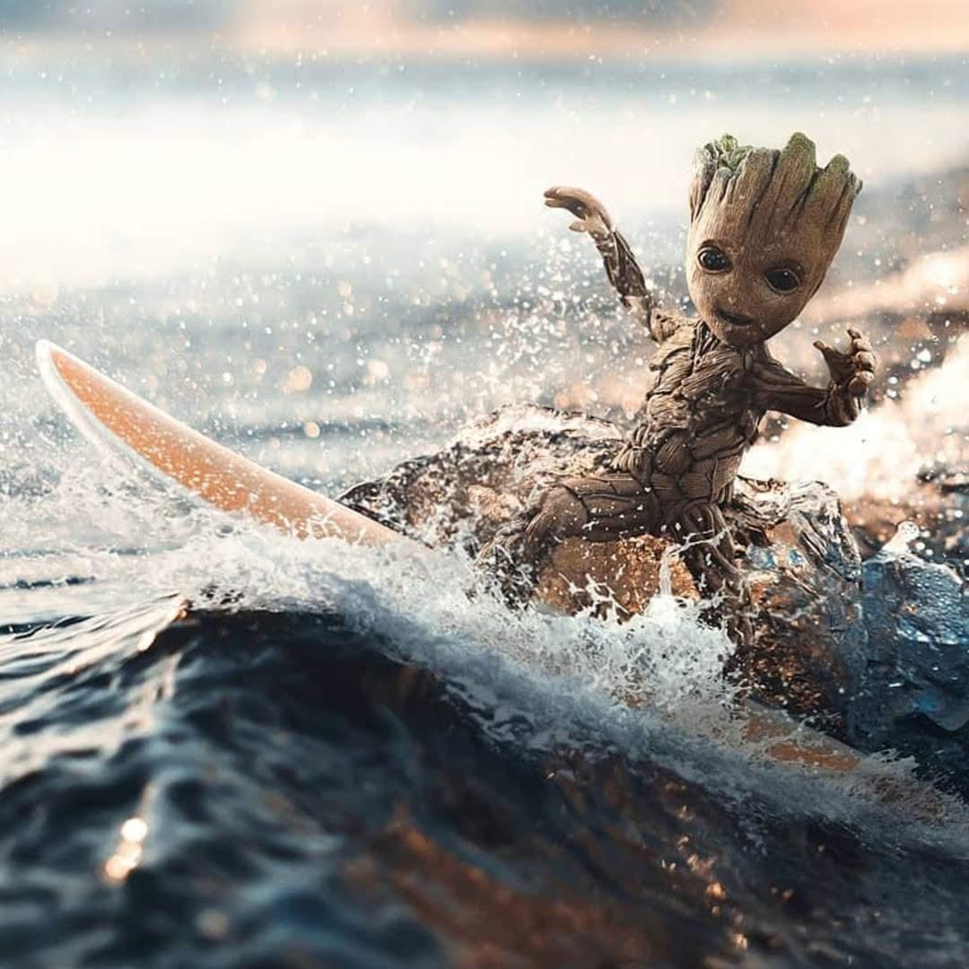 Groot on Summer Vacation : 夏休みを満喫中のグルート 😄