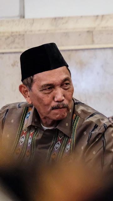 Berpeci di Sidang Terakhir Bareng Jokowi, Ini Kata Luhut