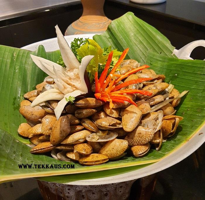 Seafood Ramadan buffet dinner Holiday Inn Melaka Menu