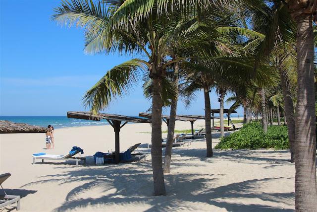 Da Nang Beach Vietnam (C) JUREBU