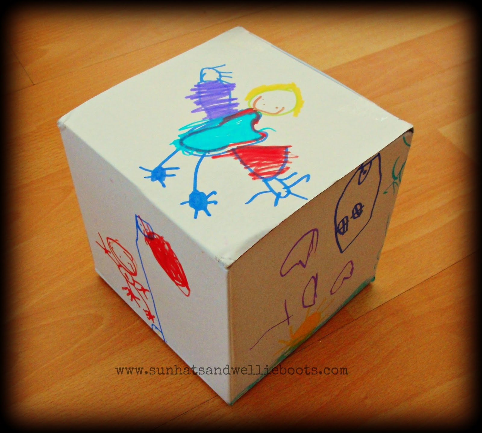 Sun Hats & Wellie Boots: Giant Story Cubes - Explore