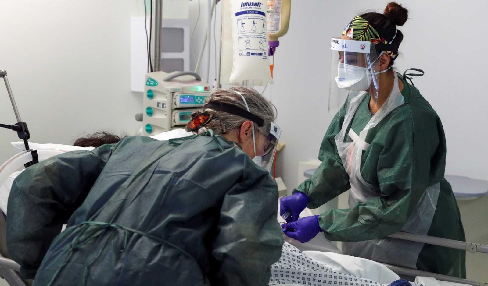 Κορονοϊός: Αντίστροφη μέτρηση για νέα έκτακτα μέτρα