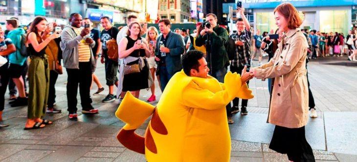 Lanzan anillo de compromiso de Pokémon con todo y pokebola para que atrapes al amor de tu vida