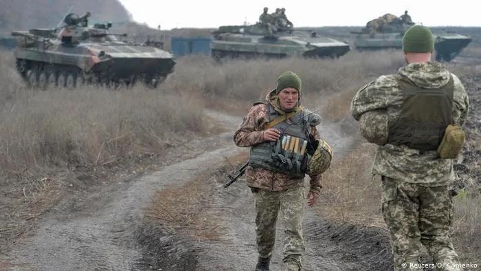 Το Κίεβο διέταξε επιστράτευση εφέδρων - Λαβρόφ: «Αν ξεκινήσετε πόλεμο κατά του Ντονμπάς θα καταστραφεί η Ουκρανία»