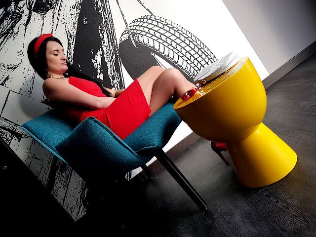 w co się ubrać na randkę - stylizacja na Walentynki - czerwona sukienka - czerwona mini - femme luxe - luxegal - www.femmeluxefinery.co.uk  - sukienki online - gdzie kupić sukienkę przez internet - w co się ubrać na romantyczną kolację