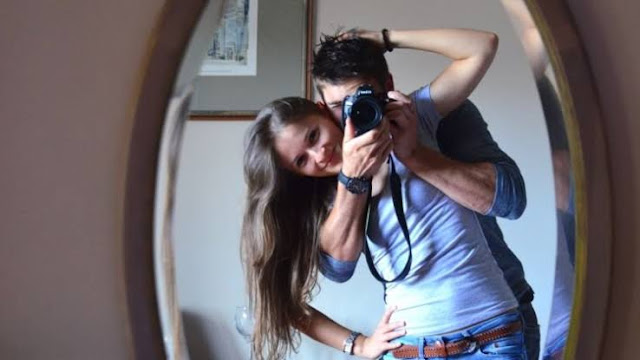 Foto Dengan Sahabat atau Teman Lawan Jenis Lalu Upload