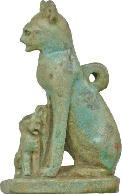 Egyptian cat amulet. Photo: Walters Art Museum/Wikipedia