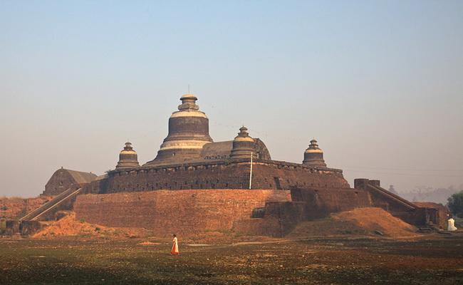 www.xvlor.com Mrauk U is pagoda-rich area as regional trading center in Rakhine State
