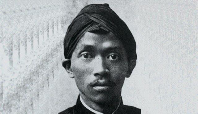 dr-Tjipto-Mangoenkoesoemo-Sang-Penantang-Kolonial-Belanda