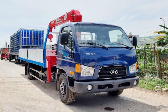 Hyundai 110XL gắn cẩu Unic 3 tấn