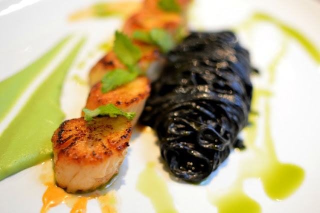 brasserie gustave london scallops with squid ink tagliatelle