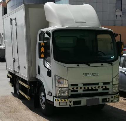 دينا إيسوزو 3.5 طن ثلاجة للإيجار