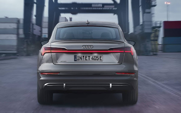 Audi e-tron 2022 Black Edition Sporback - traseira