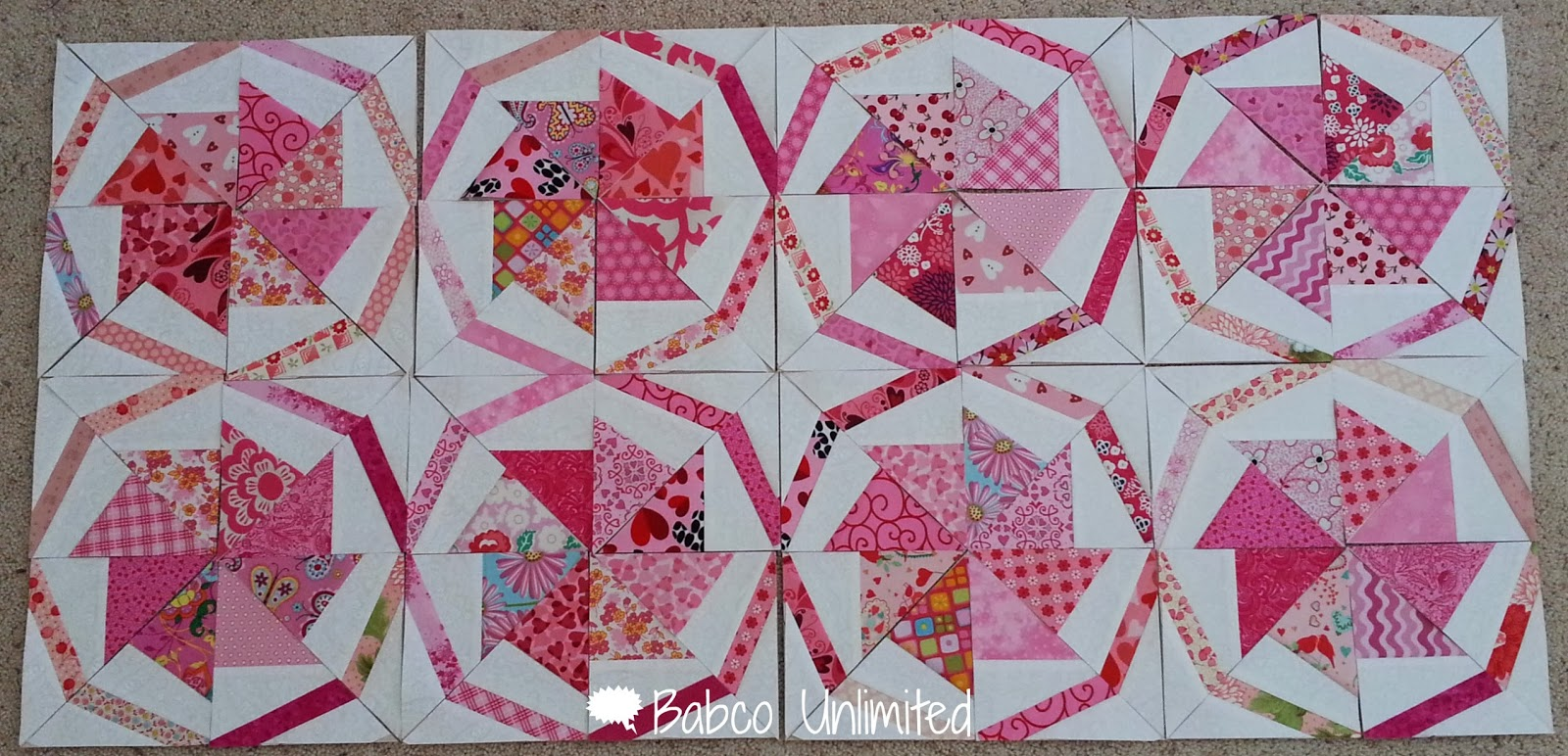 BabcoUnlimited.blogspot.com - Wheel of Fortune Quilt, 2 color Quilt, Pink & White Quilt