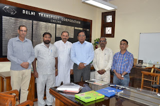 दिल्ली परिवहन मजदूर संघ का प्रतिनिधि मंडल  दिल्ली परिवहन निगम के चेयरमैन महोदय श्री मनोज कुमार कुमार जी से मिला