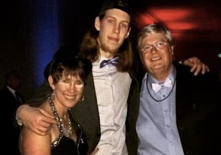 Kelly Olynyk With His Parents
