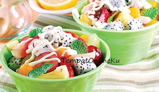 salad buah enak praktis