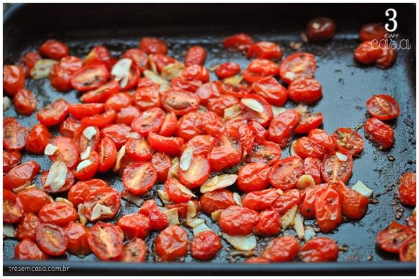 tomate ao forno com alho e azeite receita
