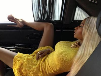 PHOTO - Nicki Minaj Bad Pose!!