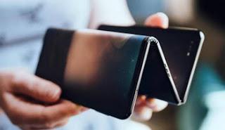 desain ponsel lipat terbaru dari tcl