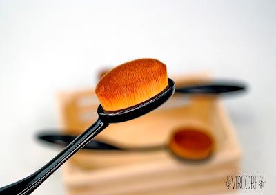 BROCHA OVAL  M vanity tools