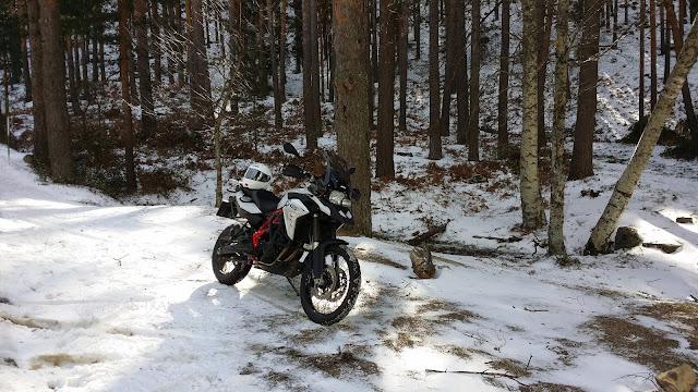BMW F800 GS y TKC70: Estrenando neumaticos trail