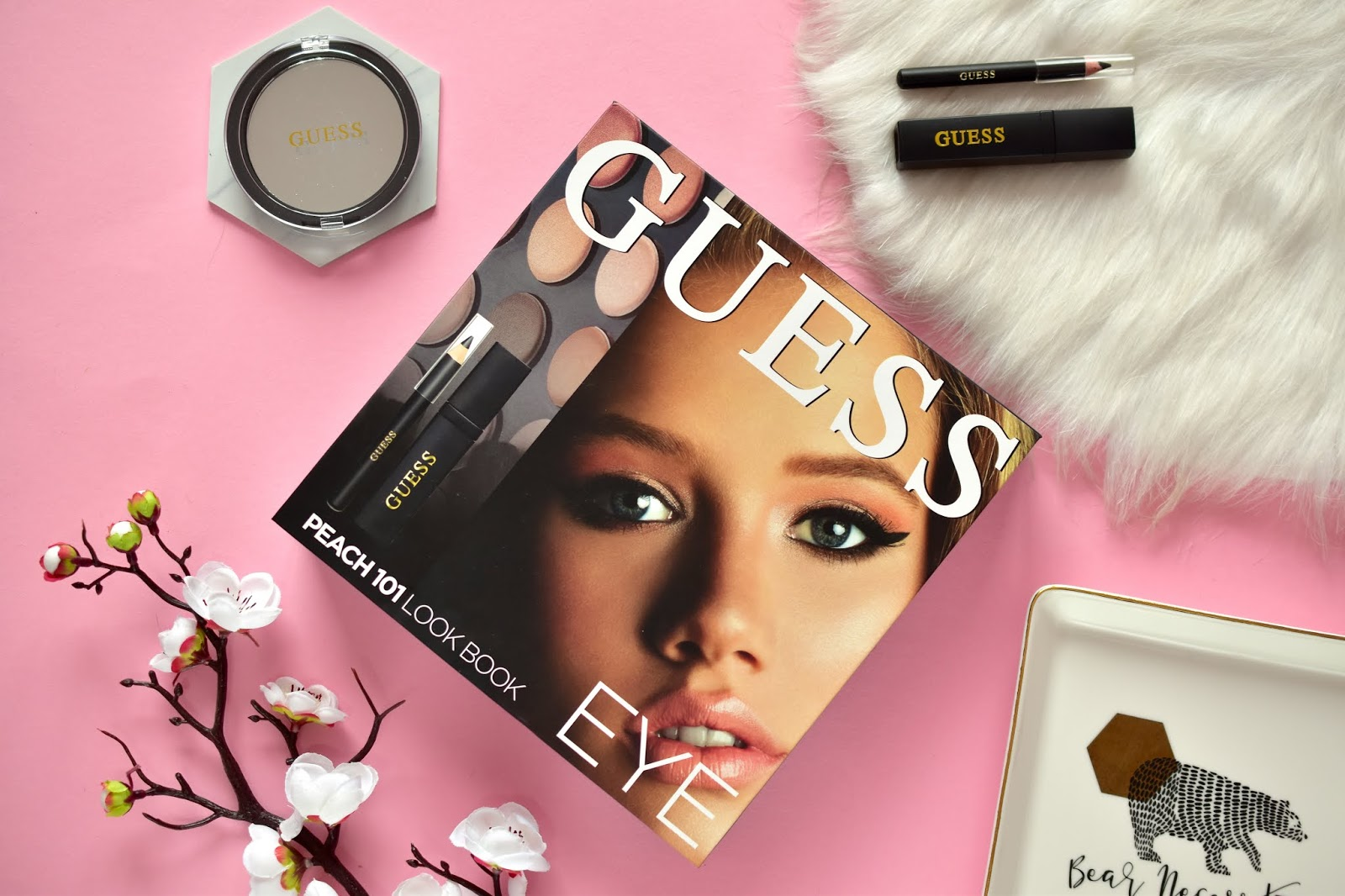Guess Look Book Eye
