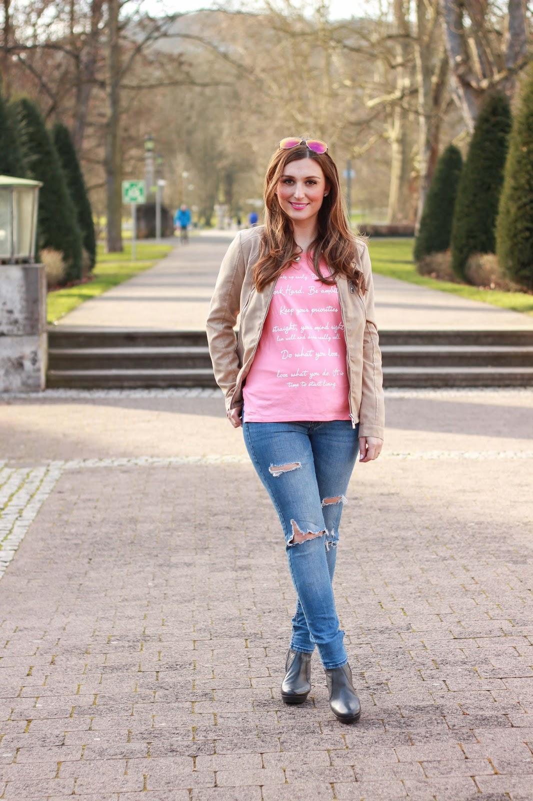 Frühlingslook - Springlook - Springoutfit - Blogger - German Fashionblogger - Deutsche Fashionblogger - Fashionblog - Modeblogger  Blogger mit Lederjacke