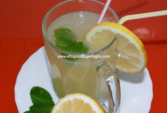 Limonada alcalina casera