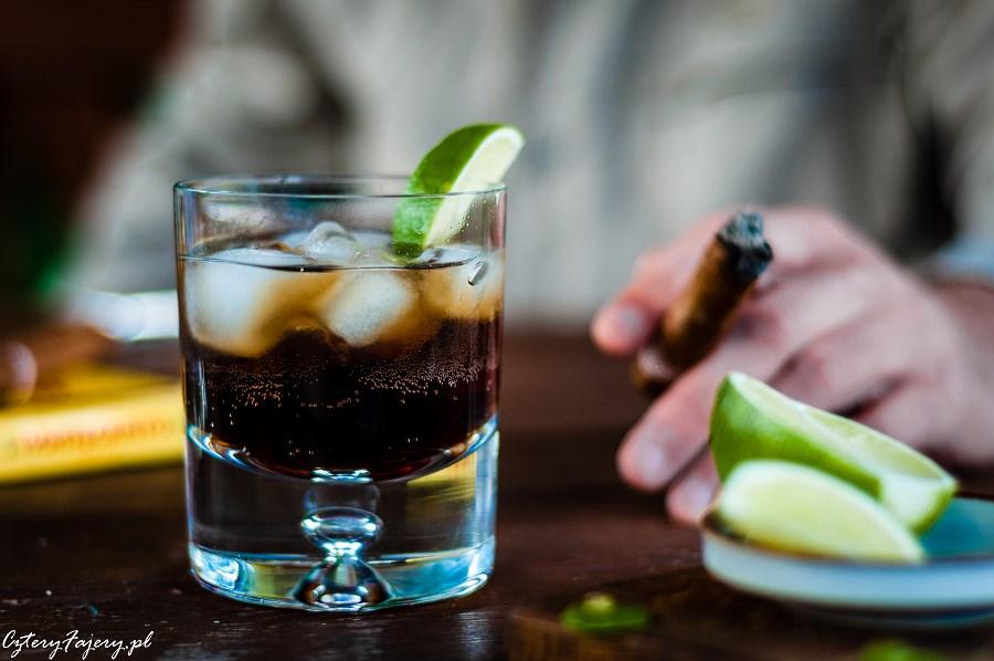 Cuba-Libre-rum-z-cola