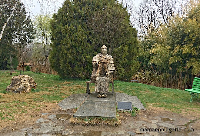 Estatua Baba Vanga Rupite Bulgaria