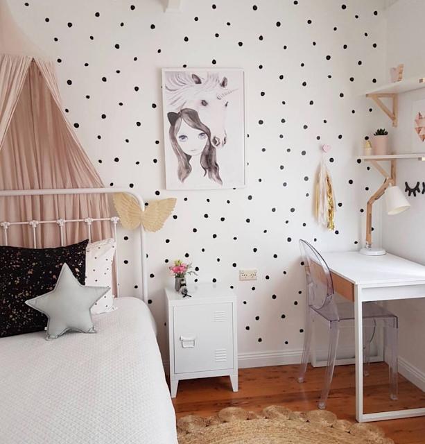 motif wallpaper dinding kamar tidur remaja perempuan terbaru