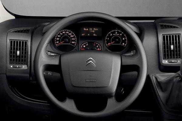 Citroën Jumper Cargo 2022 pode ser conduzido com CNH-B: preço R$ 225.900