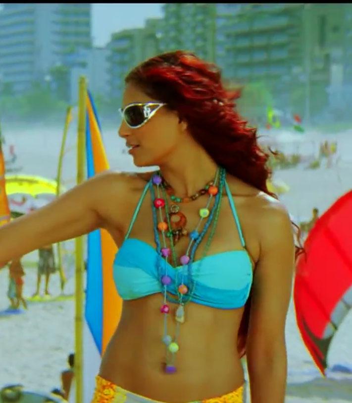 Bipasha Basu in sexy Bikini