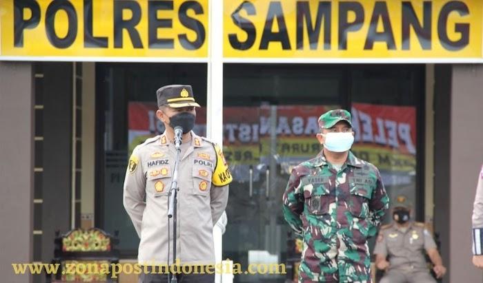 AKBP Abdul Hafidz Lepas Pendistribusian Bansos Darurat Polres Sampang 5 Ton Beras Dan Paket Sembako