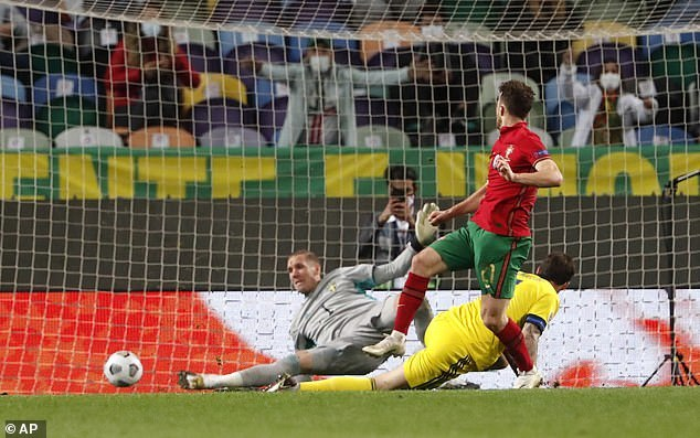 """Highlight kqbd 7m Vắng Ronaldo, Bồ Đào Nha vẫn """"nghiền nát"""" Thụy Điển"""