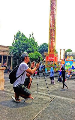 videografer sedang bekerja