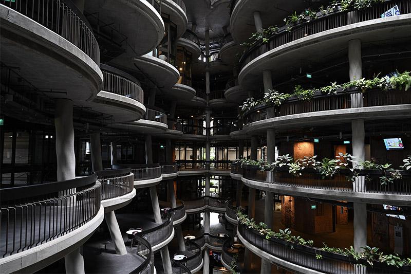 Балконы в торговом центре