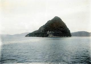 pulau di lepas pantai sibolga