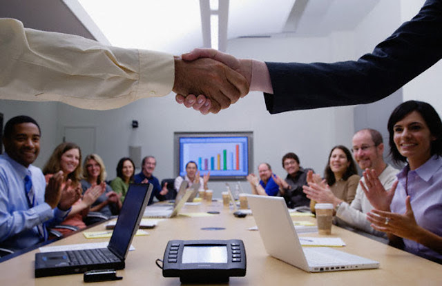 4 Things You Should Definitely NOT Do At This Year's Shareholder Meeting