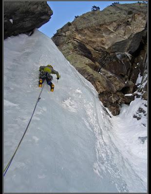 Escalando Antartic, en Cavallers, Boí