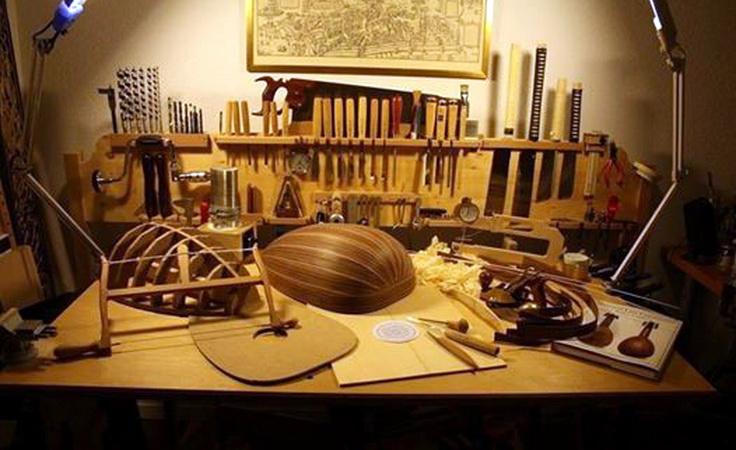 Εργαστήρι κατασκευής μουσικών οργάνων στο Εθνολογικό Μουσείο Θράκης