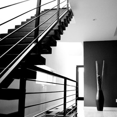 Desain Tangga Rumah 2 Lantai